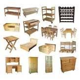 Det är möblerna som definierar hemmet och ger det liv. På Smartster har vi möbler till vardagsrummet, sovrummet, badrummet, köket, hallen och utomhus. Hitta allt från bekväma soffor och sängar till bord och hyllor.