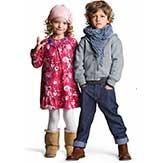 Hitta kläder för barn i alla åldrar. På Smartster har vi funktionella och trendiga t-shirtar, tröjor, klänningar, byxor, jackor och badkläder som vi tror dina barn kommer älska!